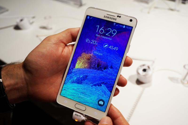 6ce9ed850db5e La pantalla del Galaxy Note 4  crónica de una perfección anunciada