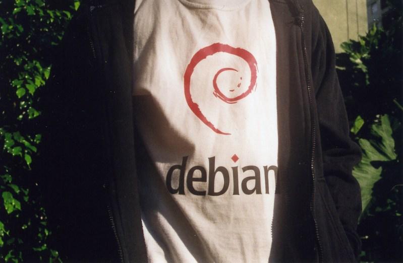 Debian Camiseta - Historia de Debian