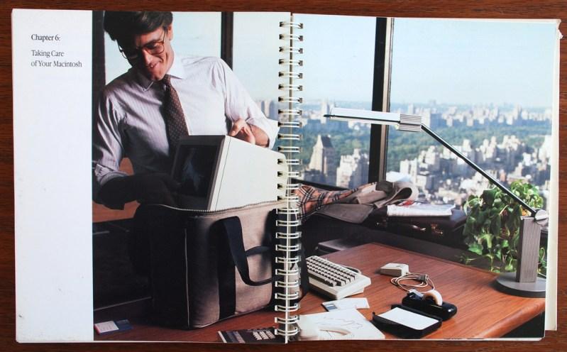 Manual del Macintosh. El BYOD esta aquí: nada como traer al trabajo la herramientas que necesito. Nada como regresar a la casa con trabajo extra.