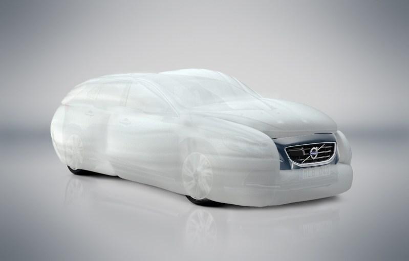 Airbag Volvo - mejores bromas April Fool's Day 2013