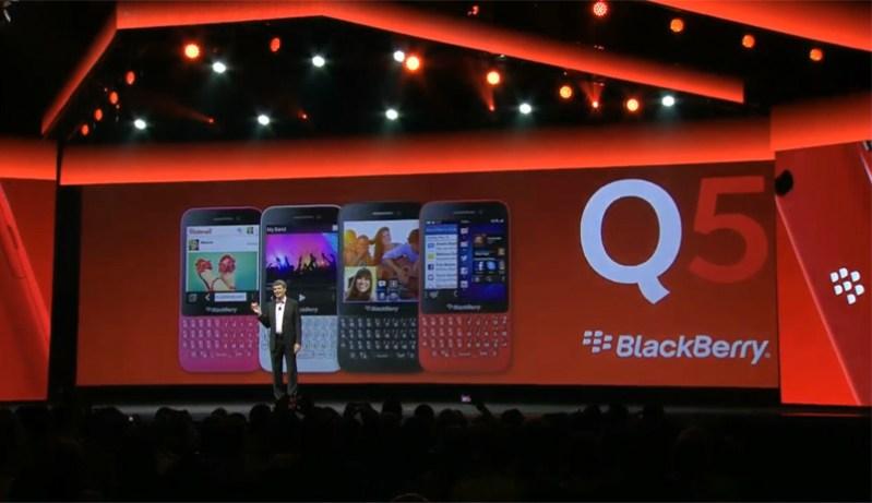 BlackBerry Q5 live