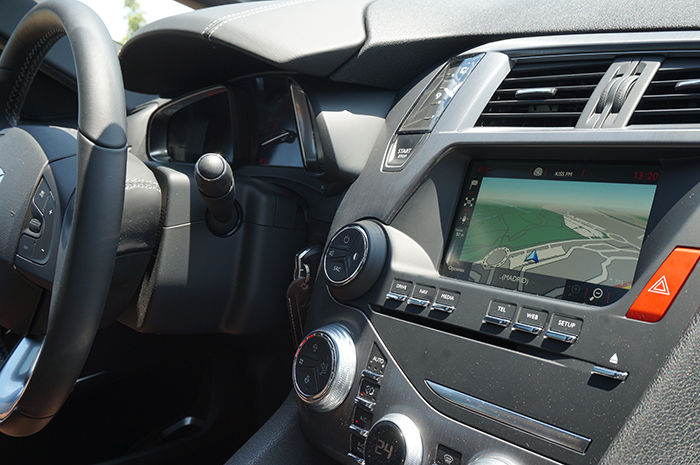 """Salpicadero completamente equipado con pantalla de 7"""" pulgadas - Nuevo DS5"""