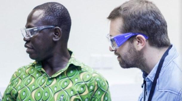 Antonio Villarreal en el laboratoria CePAT. Imagen: Henry Nelson Souza
