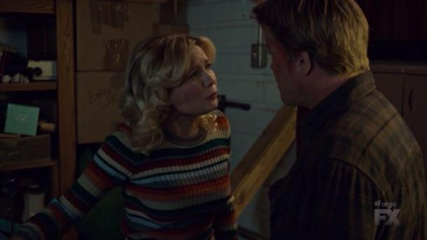 Ed y Betty discutiendo sobre el *ciervo*