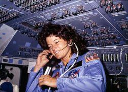 Mujeres en el espacio