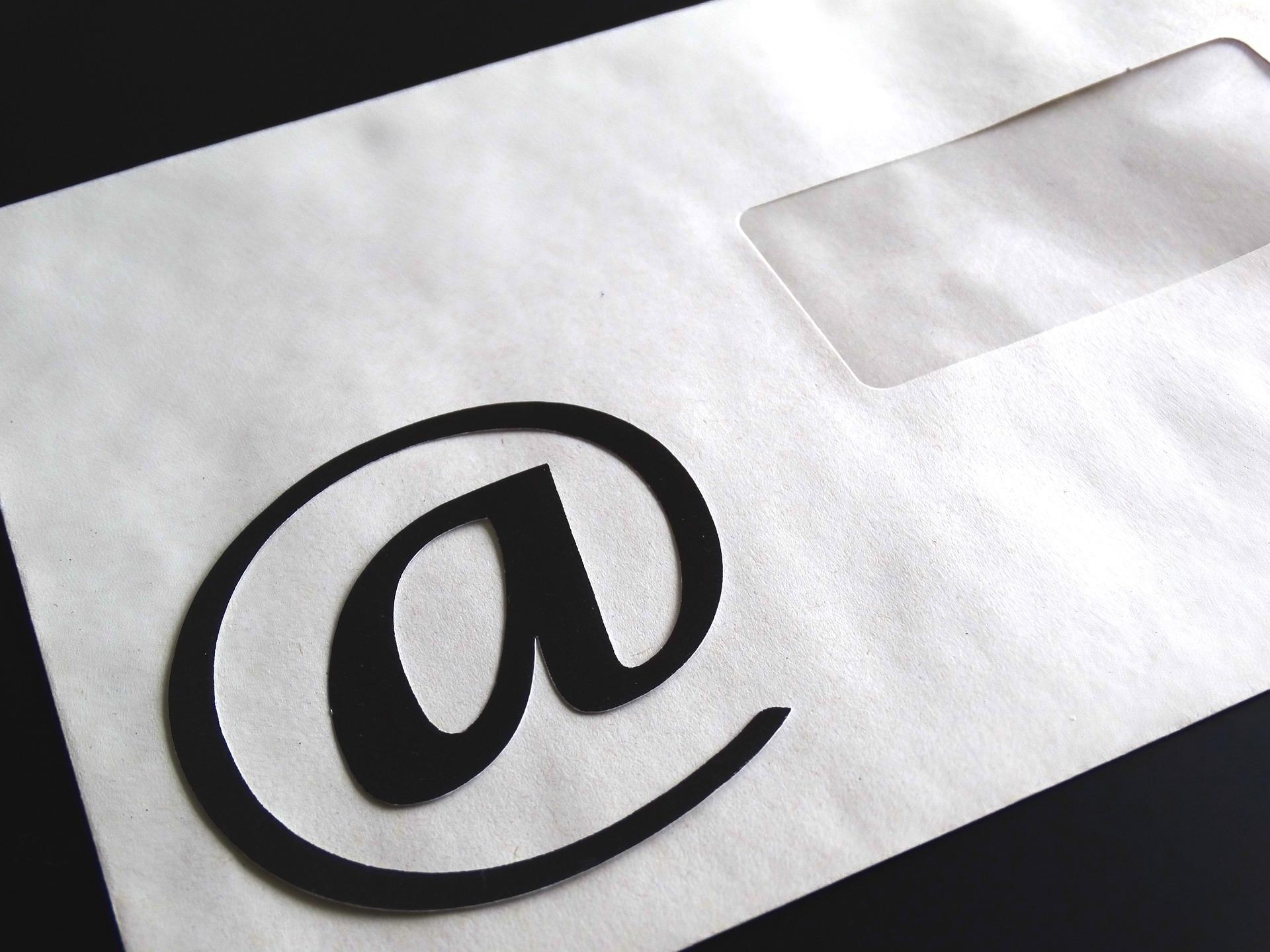 etiqueta del correo electrónico