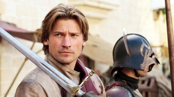 En ese momento fue que Jaime Lannister se ganó el apodo de Matareyes.                      HBO